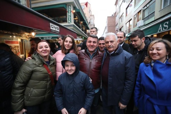 Binali Yıldırım'ın Kadıköy ziyareti