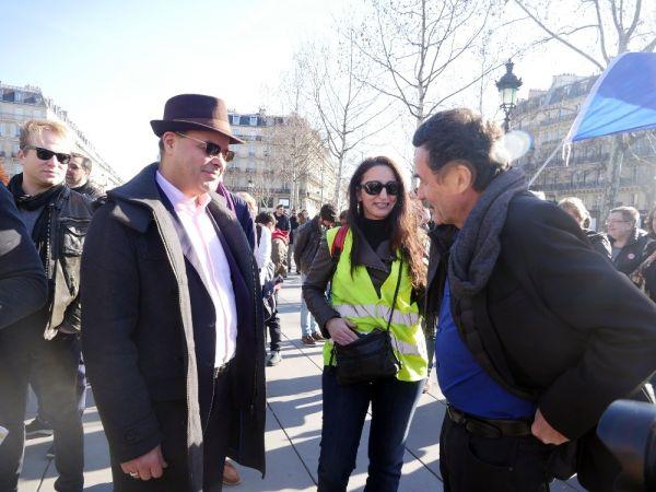 Macron karşıtı gazeteye baskın