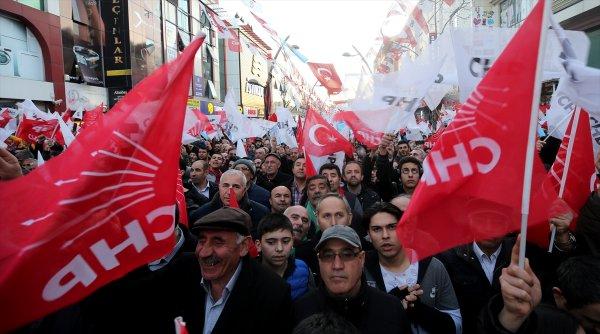 Kılıçdaroğlu rozet taktı