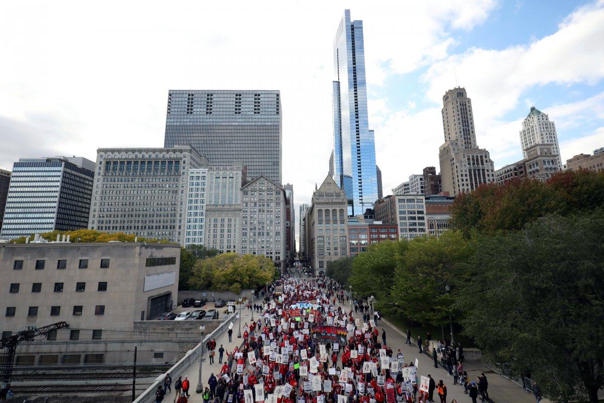 Chicago'da binlerce öğretmen grevde