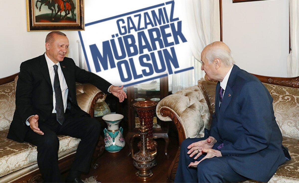 Devlet Bahçeli'den Cumhurbaşkanı Erdoğan'a hediye