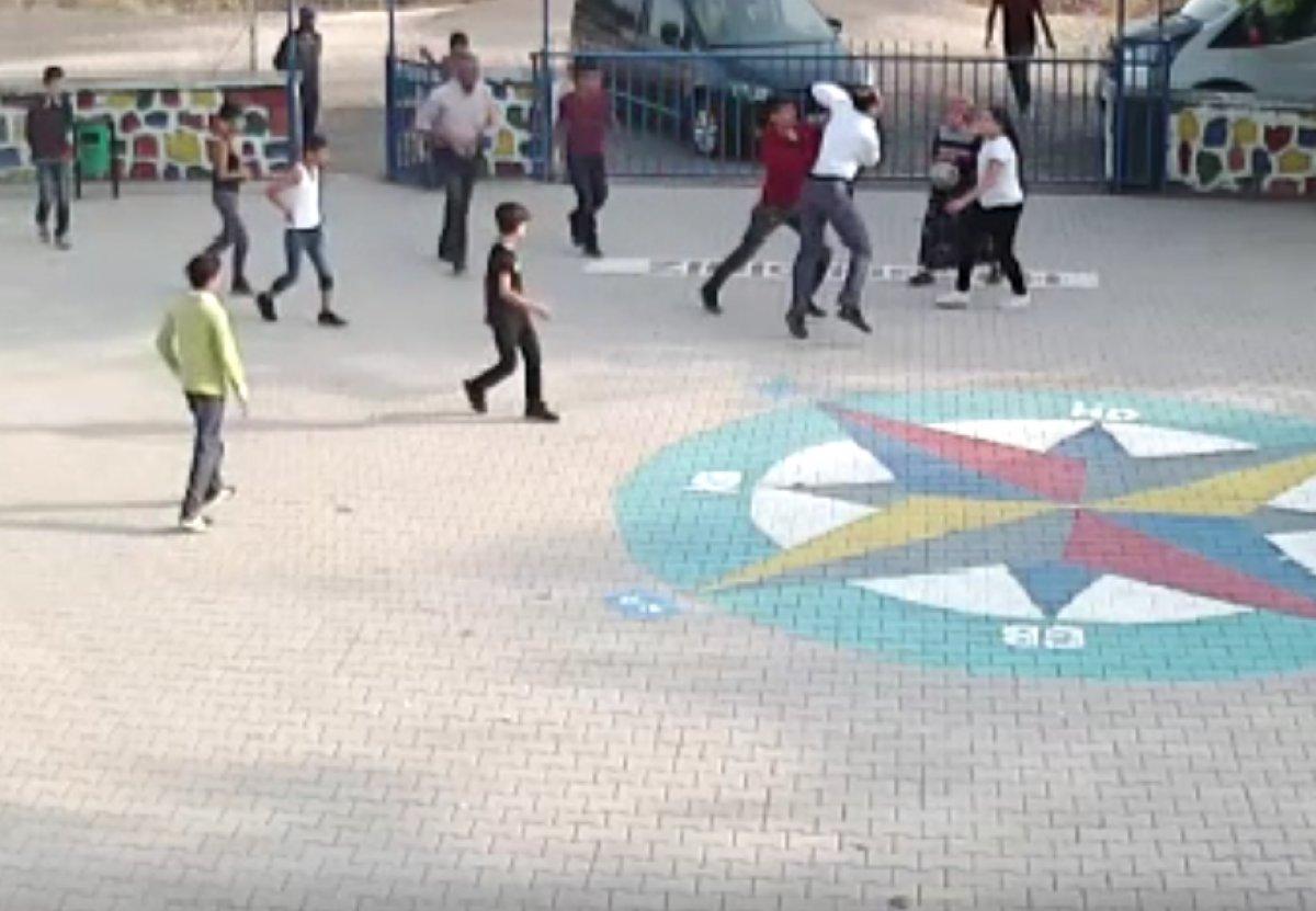 Diyarbakır'da öğretmene dayak