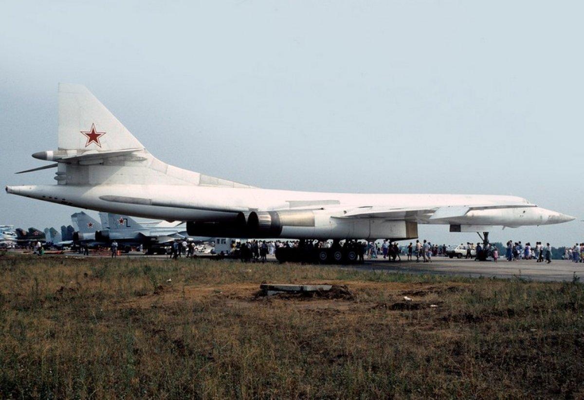 Rusya'dan Güney Afrika'ya iki nükleer bombardıman uçağı