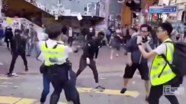 Çin'den Hong Kong polisine: Daha sert müdahale edin